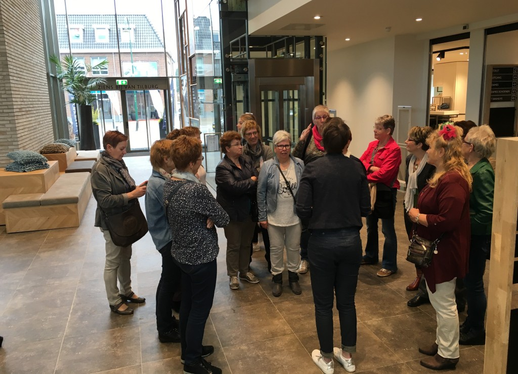 Van Tilburg Mode Tassen : Rondleiding van tilburg mode en sport in nistelrode